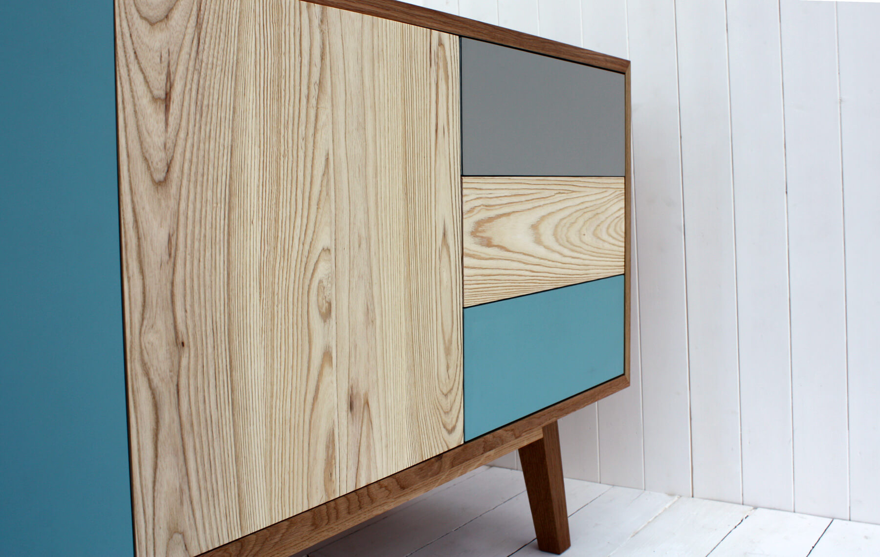 Bow Front Desk With Drawers